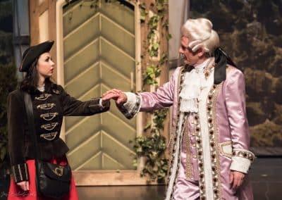 Foto Jos Echelpoels, Operette Der Vogelhändler, Vlaams Muziek Theater, rol: Christel Von Der Post. Met Kris Wouters